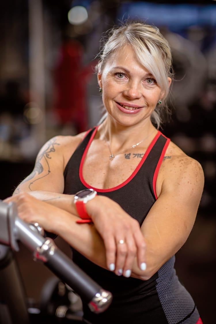 Валентина Тарасова – профессиональный фитнес-тренер, мастер спорта международного класса по пауэрлифтингу и бодибилдингу, многократная чемпионка и рекордсменка мира.